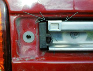 Установка кожуха направляющей сдвижной двери-3.jpg