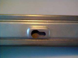 Установка кожуха направляющей сдвижной двери-0053.jpg