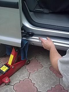 Проблема ролика сдвижной двери.-0614.jpg