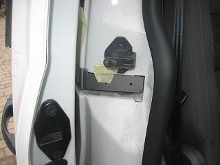 Установка кожуха направляющей сдвижной двери-img_5352.jpg
