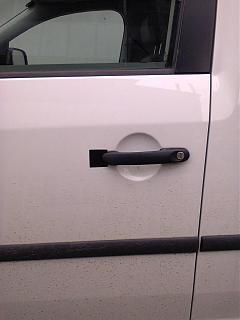 Облезание краски и ржавчина, рядом с ручкой сдвижной двери-0076.jpg