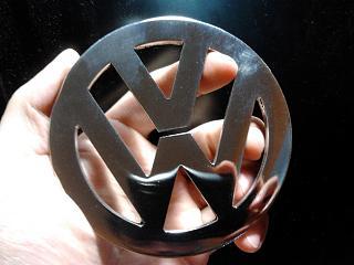 эмблема VW на решётку радиатора-2013-07-10-16.57.43.jpg