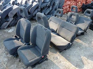 Дополнительное сиденье 3 ряда для VW Caddy Life 2009 куплю-p1010568.jpg