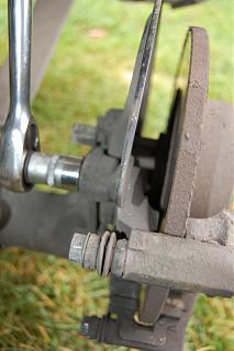 Фотоотчёт замены задних тормозных дисков и колодок-dsc_0395.jpg