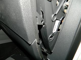Замена (установка) бардачка от VW Caddy Life 2011-2012гг.-dscn3933.jpg