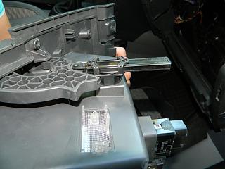 Замена (установка) бардачка от VW Caddy Life 2011-2012гг.-dscn3930.jpg