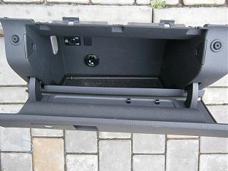 Замена (установка) бардачка от VW Caddy Life 2011-2012гг.-p8220123.jpg