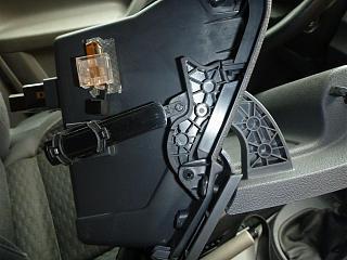 Замена (установка) бардачка от VW Caddy Life 2011-2012гг.-p1000942.jpg