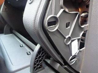 Замена (установка) бардачка от VW Caddy Life 2011-2012гг.-p1000986.jpg