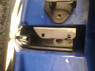 Установка кожуха направляющей сдвижной двери-1179.jpg