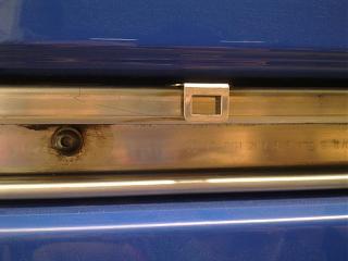 Установка кожуха направляющей сдвижной двери-1182.jpg