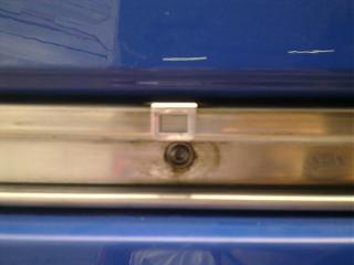 Установка кожуха направляющей сдвижной двери-1181.jpg
