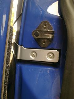 Установка кожуха направляющей сдвижной двери-1184.jpg