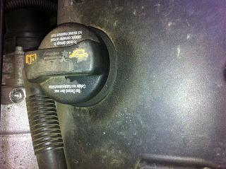 давит масло из под ГБЦ-4-.jpg
