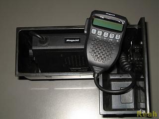 СВ радиостанция в машине-megajet00005.jpg