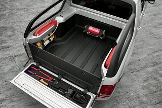 Дверь багажника. Какая лучше?-vw-amarok-2010.jpg