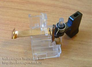 Замена (установка) бардачка от VW Caddy Life 2011-2012гг.-1j0947311_.jpg
