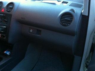Замена (установка) бардачка от VW Caddy Life 2011-2012гг.-img_0561.jpg