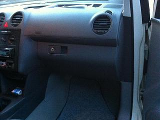 Замена (установка) бардачка от VW Caddy Life 2011-2012гг.-img_0562.jpg