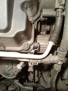 FAQ: Установка декоративной крышки двигателя BLS 1.9 TDI-2014-02-20-19.53.43.jpg