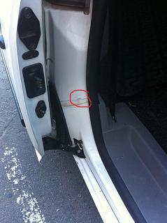 Затирает сдвижная дверь, как исправить?!-img_5381.jpg