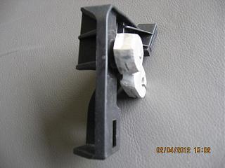 Не открывается капот -сломалась ручка в салоне.-002.jpg