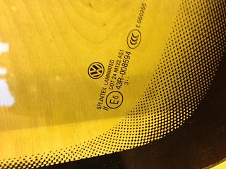 продам лобовые стекла (26шт) на Caddy ( с 2010 и выше) б/у, оригинал-image-31-10-14-08-53-1.jpg