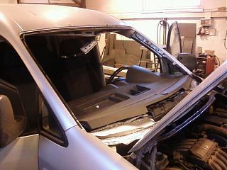 продам лобовые стекла (26шт) на Caddy ( с 2010 и выше) б/у, оригинал-foto-0009.jpg