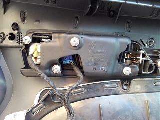 Кнопка центрального замка на водительской двери-20120406_115604.jpg