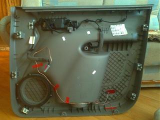 Кнопка центрального замка на водительской двери-4b0f1a8s-960.jpg