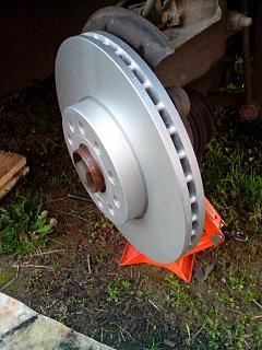 Замена передних тормозных дисков и колодок-img_20161012_172204.jpg