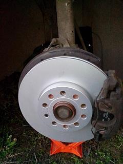 Замена передних тормозных дисков и колодок-img_20161012_174655.jpg