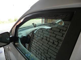 Дефлекторы передних дверей и на капот-p1040625.jpg