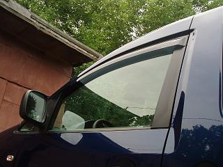 Дефлекторы передних дверей и на капот-p6240002.jpg