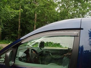 Дефлекторы передних дверей и на капот-p6240001.jpg